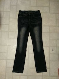Girl jeans Lethbridge, T1H 0W1