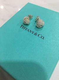 Never Worn $315 OBO Tiffany twist knot earrings Toronto, M9C 4W6