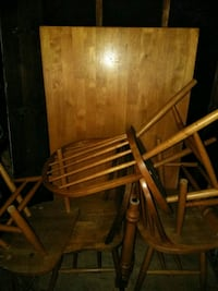 Table chairs  296 mi