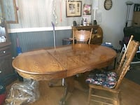 Dining room table with chairs Suitland-Silver Hill, 20746