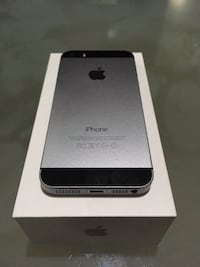 Space gray iphone 5s with box