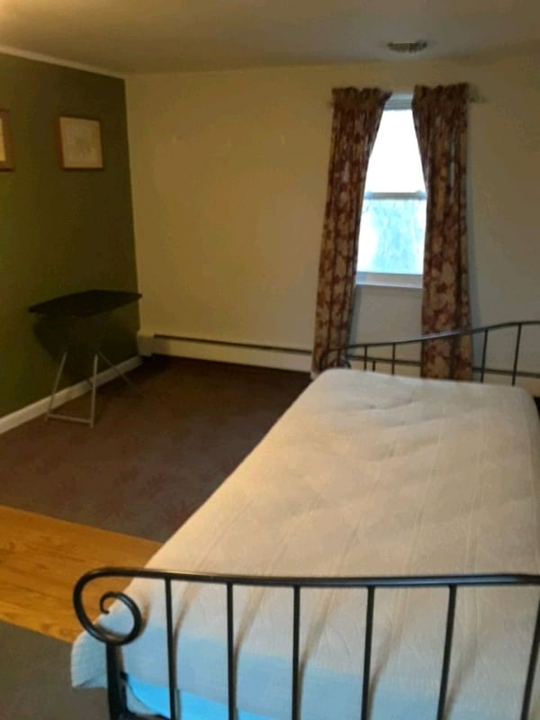 ROOM for rent in falling waters, WV c4042235-5ad0-4d09-9572-fe1a8d423be2