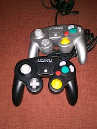 Perfect condition gamecube controllers Dickson, 37055