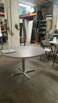 round white wooden pedestal table Los Angeles, 90014
