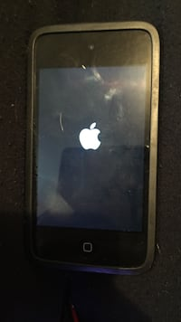 Black ipod 4 with case