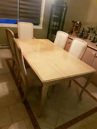 Marble table in excellent condition 6 chairs Notre-Dame-de-l'Île-Perrot, J7V 8N8