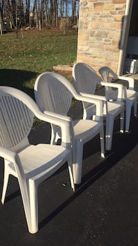 Lawn chairs Sykesville, 21784