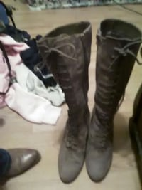 pair of gray knee high boots Mount Vernon