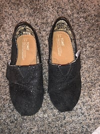 Toddler girls shoes size 7/8 Rialto, 92376