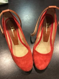Browns wedges - size 35 Toronto, M1R 2Y2