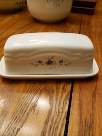 Pfaltzgraff Poetry butter dish Centreville, 20120