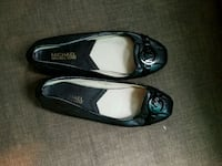 pair of black leather flats Bronx, 10452