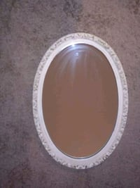 Rare Vintage Oval Mirror Chicago, 60615