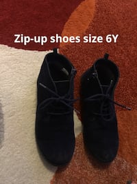Suede youth size shoes Toronto, M1T 3T8