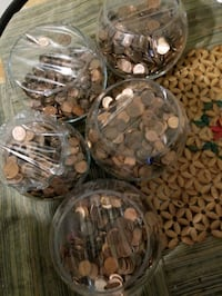 Canadian and american pennies..mix
