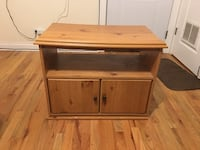 Tv Stand  Chicago, 60657