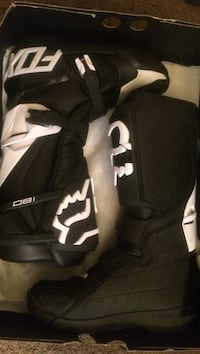 Pair of black-and-white nike riding boots Derwood, 20855
