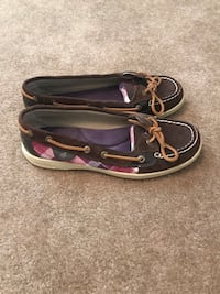 Sperry' s size 8  Ranson, 25438
