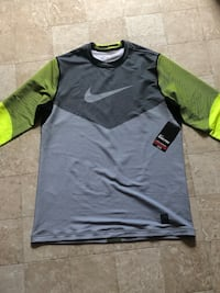 Brand new nike pro long sleeve Newville, 17241