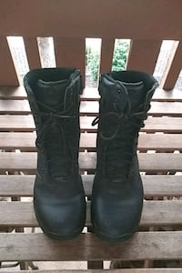 pair of black leather boots Phoenix, 85053