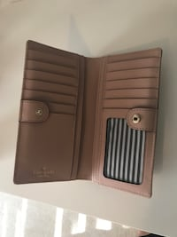 Kate spade wallet (like new condition) Surrey, V3W
