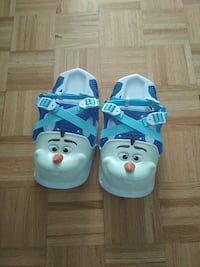 pair of white Olaf snow shoes