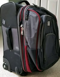 FUL 2-in-1 Luggage w/detachable backpack Orland Park, 60467