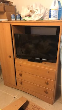 TV Stand with Drawers and Mini Side Closet Waterbury, 06705
