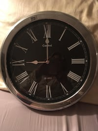 Large wall clock  Welland, L3C 6Z8