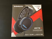 SteelSeries - Arctis 5 Wired 7.1 RGB Gaming Headset for PC, Xbox, PS4 Detroit, 48201