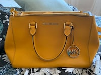 Micheal Kors bag Mississauga