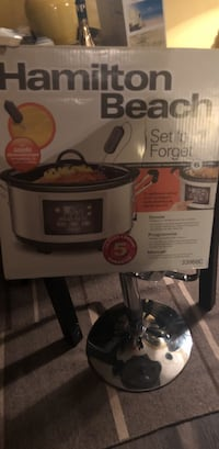 gray and black Hamilton beach Set 'n Forget automatic cooker box