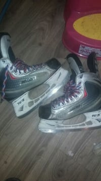 Boys hockey skates size 6D Kitchener, N2E 3E6