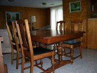 Antique Solid Wood Dining Table and Chairs Toronto, M1M 1L1
