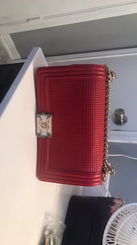 Red and black leather purse Killeen, 76549
