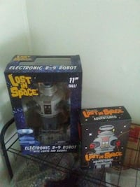 """Lost in Space Robot 11"""" works in original box. Old Fort, 28762"""