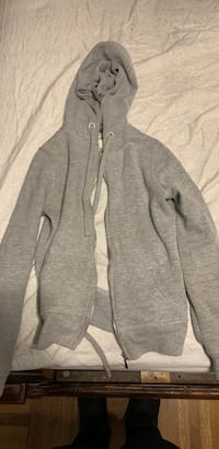 gray zip-up hoodie Upper Marlboro, 20774