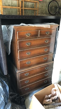 Antique chest of drawers  Saint Charles, 63303