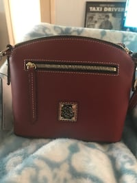 Brand new red Donney & Bourke leather crossbody bag Hughson, 95326