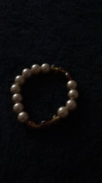 silver and white beaded bracelet Chicago, 60619