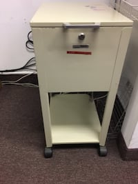 Mobile filing cabinet with cover