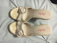 pair of white Charles heel pumps Innisfil, L9S