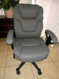 gray leather padded rolling chair Bakersfield, 93306
