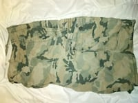 Levis Mens 42 cargo camouflage military style shorts green