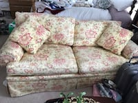 white and pink floral fabric 2-seat sofa 162 mi