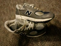 New balance youth shoes size shoes PRICE FIRM Upper Marlboro, 20774