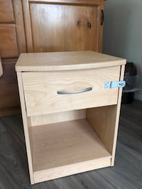 End table with locking drawer.  Some minor damage in top ( see picture ).    $3 extra For Delivery available.    London, N5Y 4A6