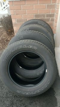 4 Goodyear Wrangler SR-A.(All Season) 275/60R20