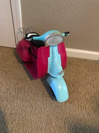 Toy motorcycle for dolls