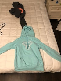 Women's tna hoodie size large Kitchener, N2P 2W8
